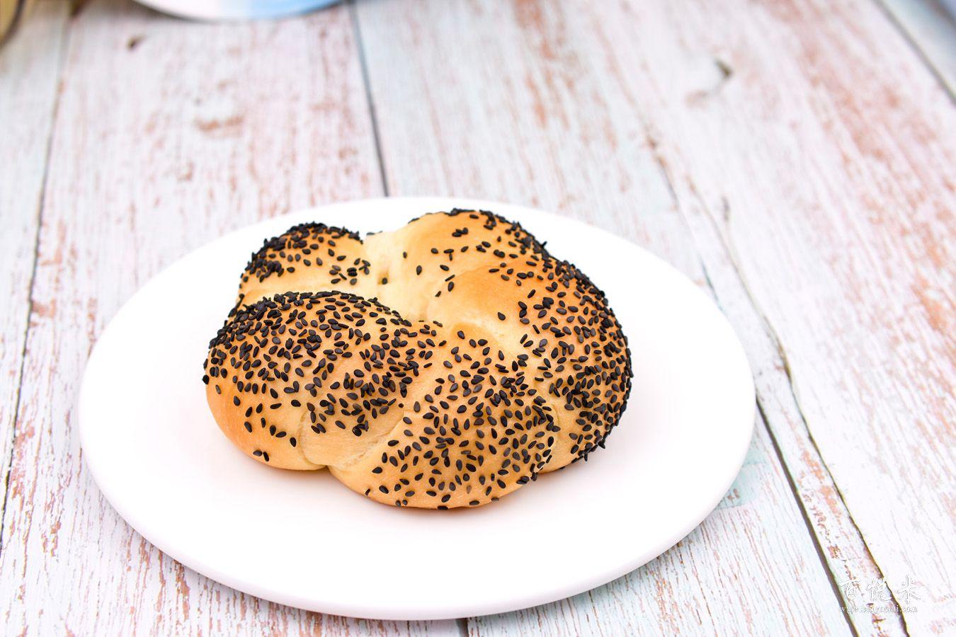 小芝麻面包的做法大全,小芝麻面包西点培训图文教程分享
