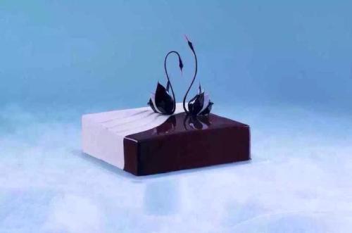 我想学炸油条_我想学做黑天鹅蛋糕的做法难不难?_百悦米西点培训